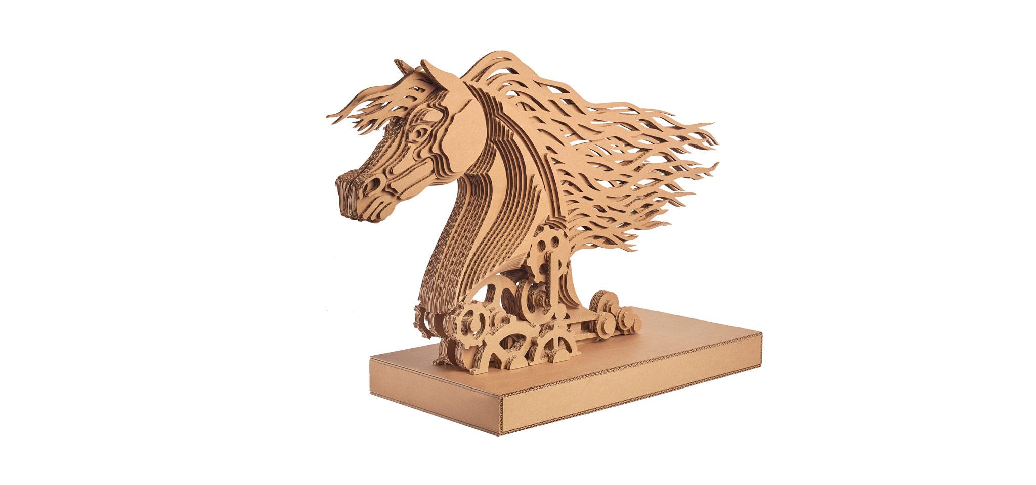 Nextmade_Cavallo_horse_cardboard_slider